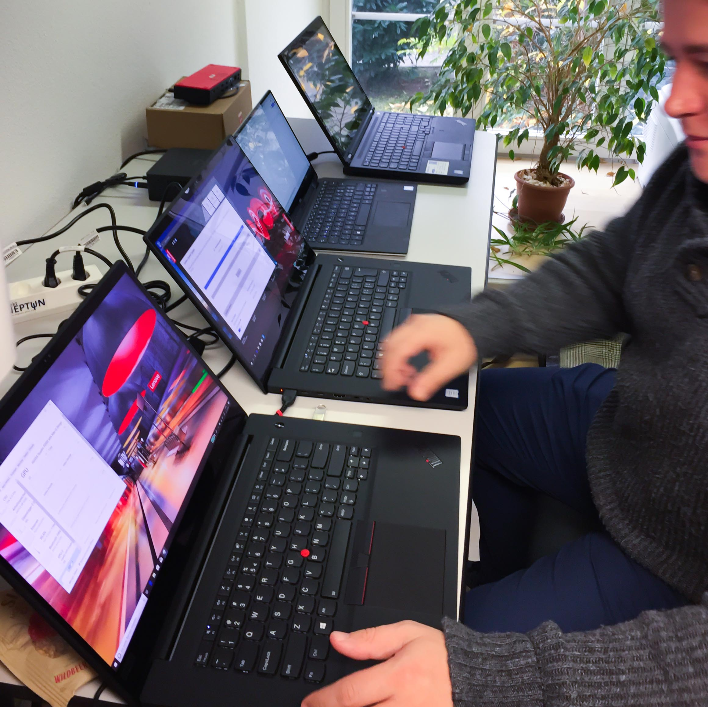 Testing the Lenovo ThinkPad X1 Extreme and P1 - Projekt Neptun